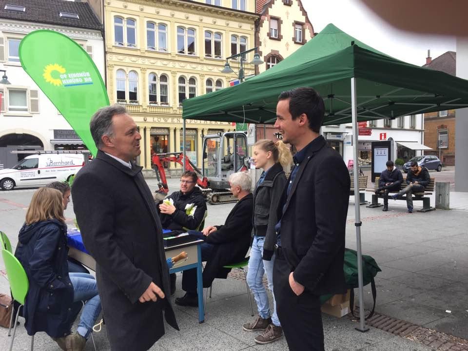open-air Bürgersprechstunde zur Europawoche mit Gerhard Zickenheiner und Josha Frey MdL