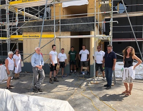 Gerhard Zickenheiner und Reinhold Pix besuchen Baustelle in Staufen